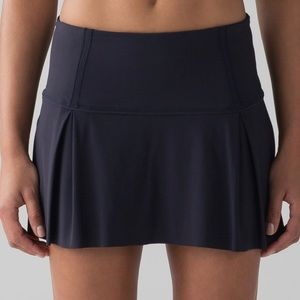 ISO Lululemon Lost in Pace Skirt 6 Tall